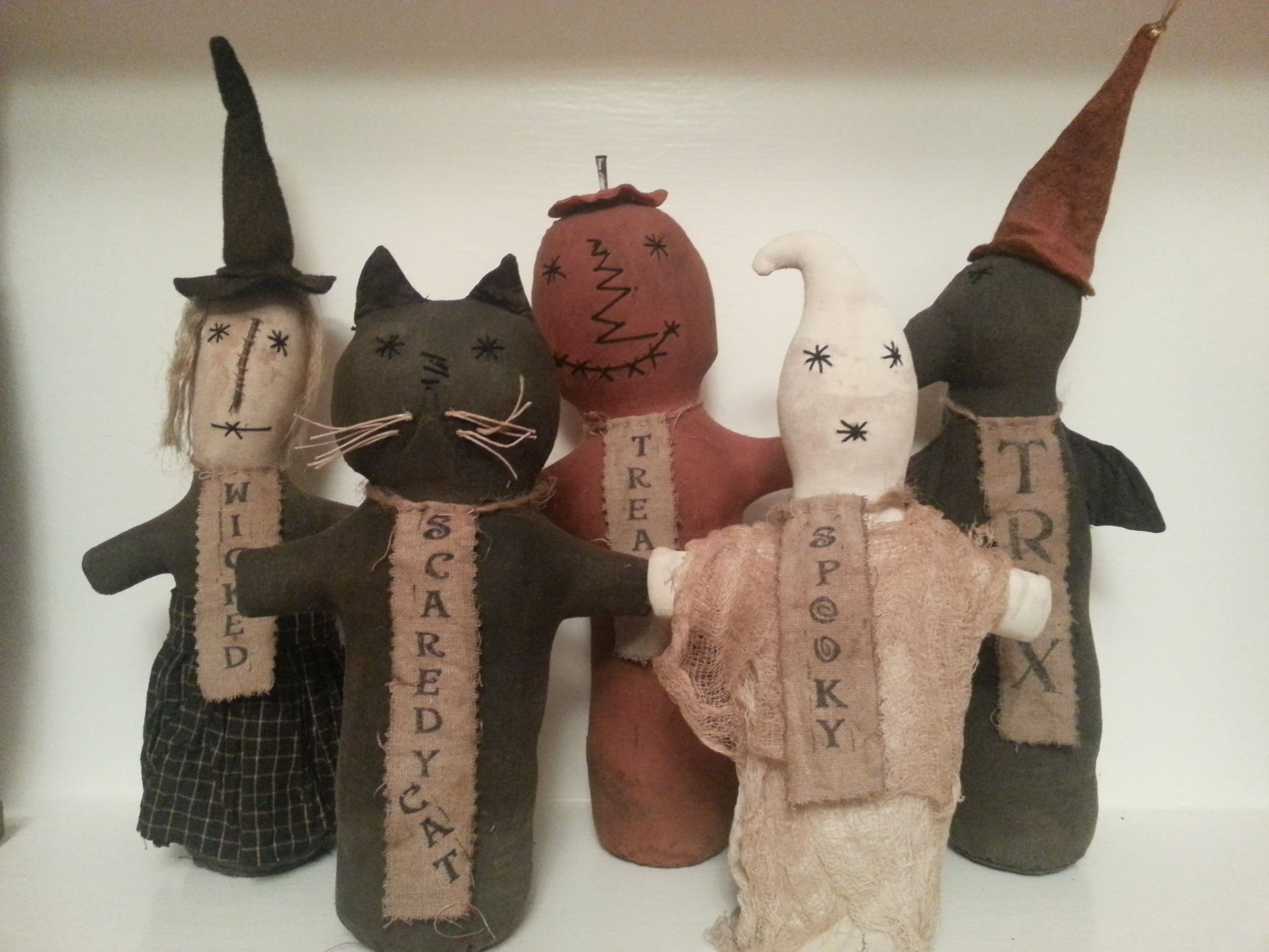 Primitive decorations from Butternut Creek Folk Art at