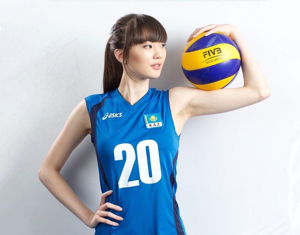 15 Potret Terkini Atlet Voli Cantik Sabina Altynbekova Pemain Bola Wanita Pemain Bola Voli Bola Voli