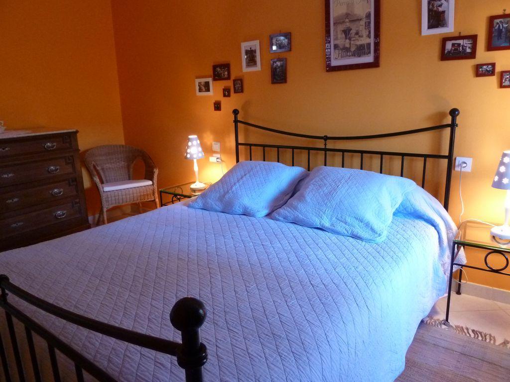 La calvinette chambre louer meuble et grand lit - Chambre a louer yverdon les bains ...
