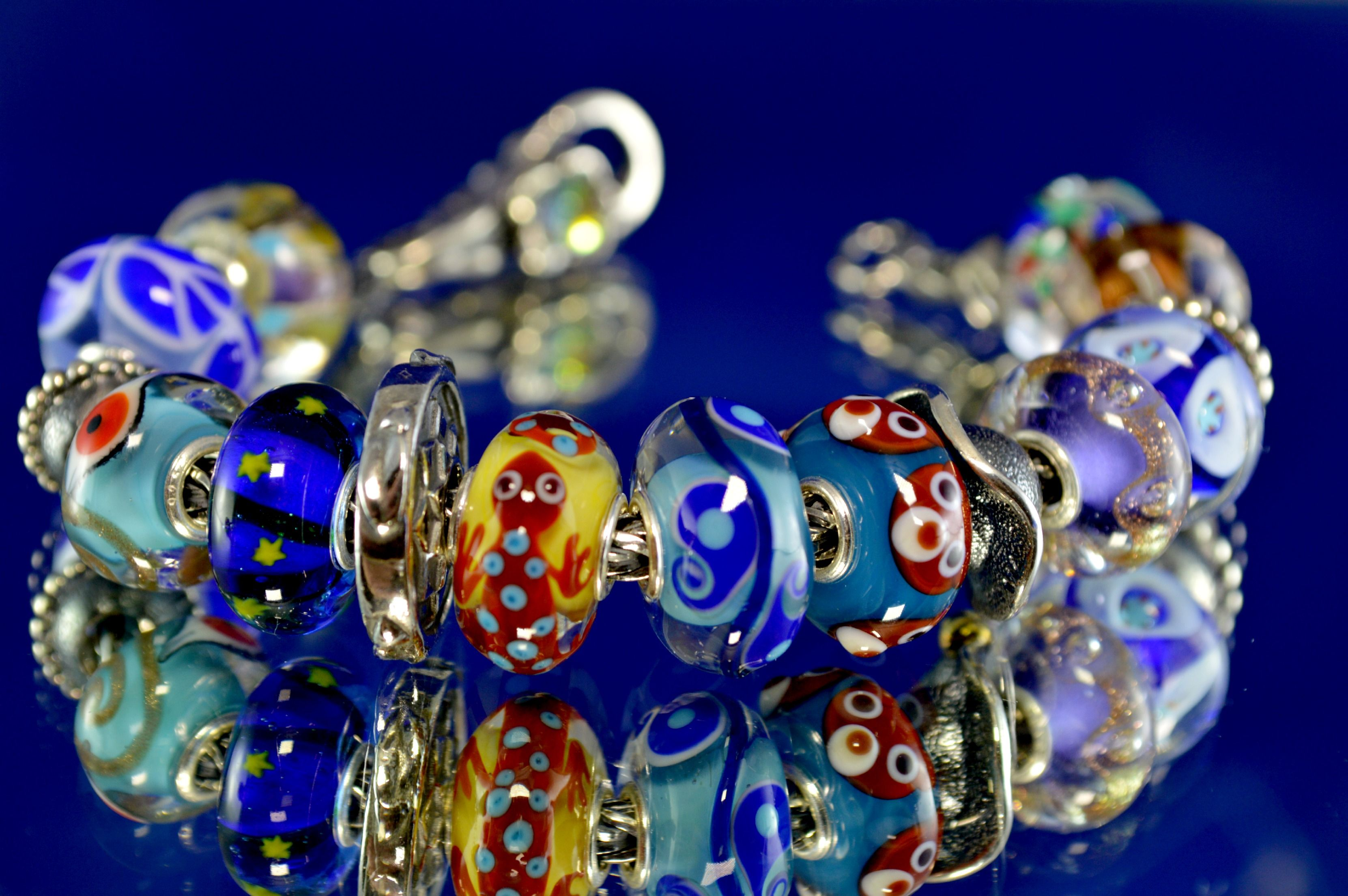 Quanti animaletti su questo bracciale! Buona giornata! How many animals on this bracelet... Have a nice day!