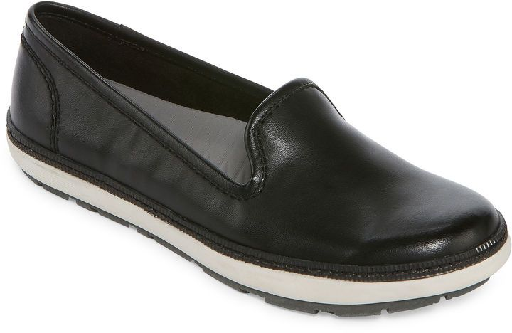 b33fe3a730ff3 Yuu Valance Womens Slip-On Shoes