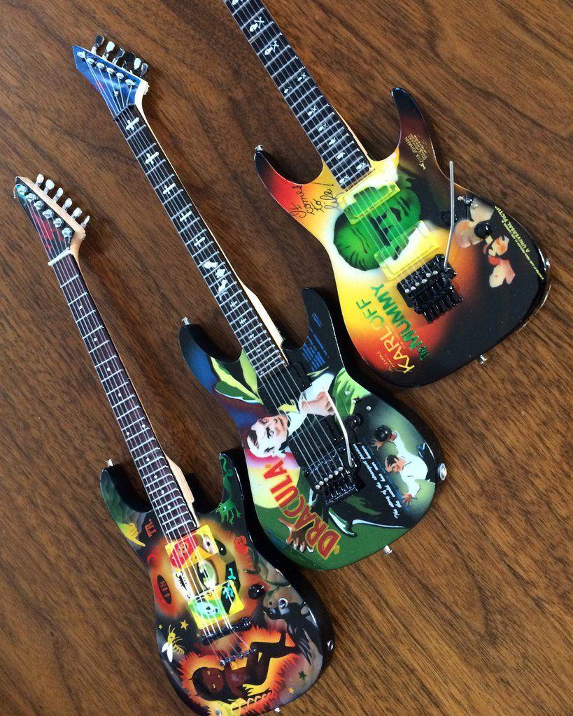 Kirk Hammett Signature Set Of 3 Miniature Guitar Replica Collectibles Miniature Guitars Guitar Kirk Hammett
