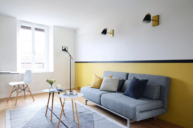 10 Manieres D Apporter De La Couleur Au Salon Interieur Maison Decoration Maison Mobilier De Salon