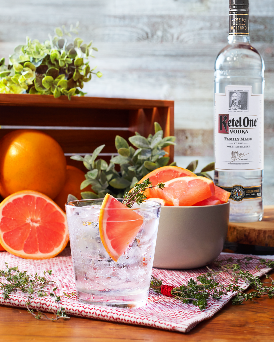 Flavor Your Vodka Soda With Grapefruit And Thyme