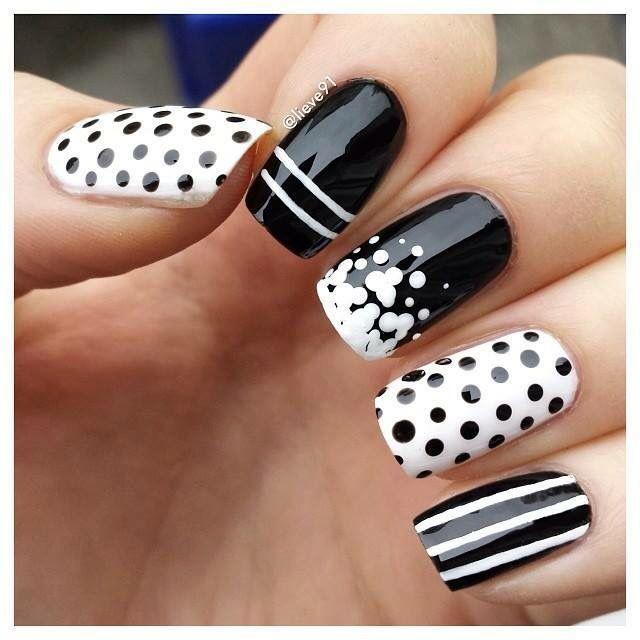 Negras con blanco | Uñas | Pinterest | Negro, Blanco y Diseños de uñas