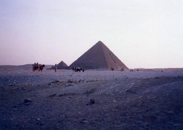 クフ王 カフラー王 メンカウラー王 ギザの三大ピラミッド エジプト ギザ エジプト ピラミッド