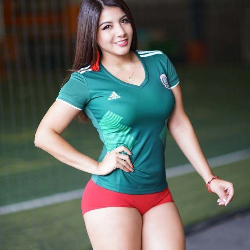 Sexy Mexican Chica