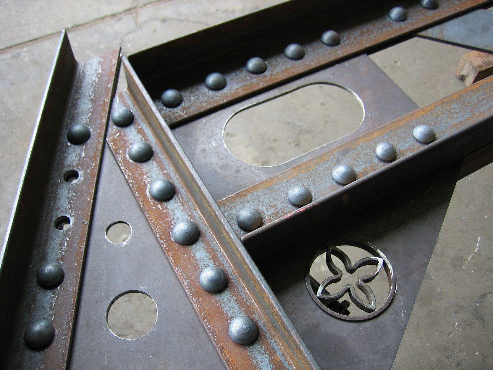 Bridge And Boiler Hot Riveting Avec Images Decoration Style Industriel Rustique Mobilier Metallique Deco Loft Industriel