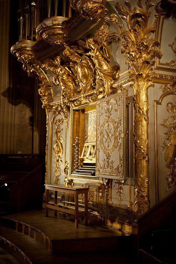 l 39 orgue de la chapelle royale du ch teau de versailles versaille pinterest versailles. Black Bedroom Furniture Sets. Home Design Ideas
