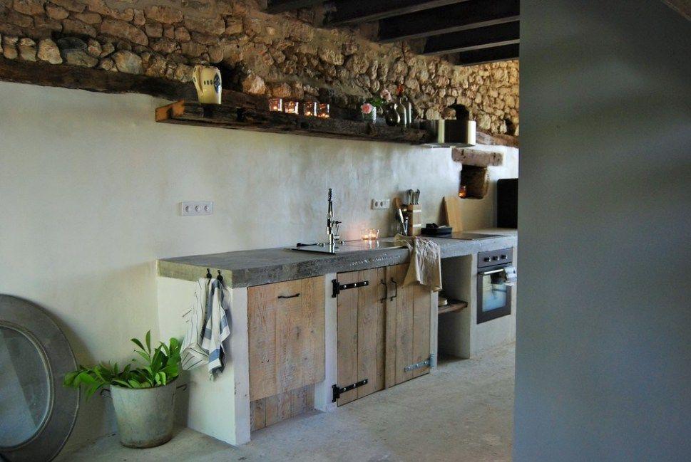 Bassiviere barn chic en dordogne cuisine rustique - Refaire sa cuisine rustique en moderne ...