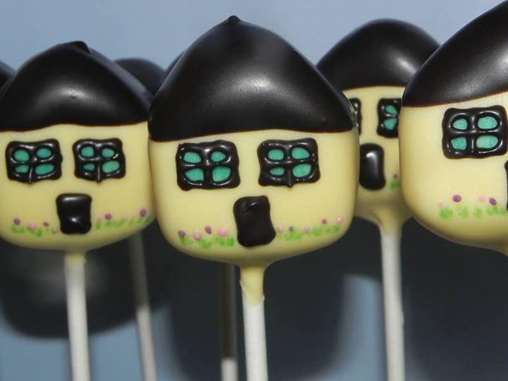 Houses (Cake Pops)