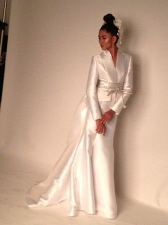 modern Japanese style wedding gown by Rajo Laurel. 20th wedding ...
