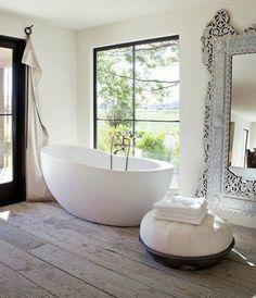 Die Freistehende Badewanne Feiert Ihr Comeback. Mit Ihrem Stilvollen Design  Hat Sie Sich Als Wichtiger Bestandteil Jedes Modernen Badezimmers Etabliert.