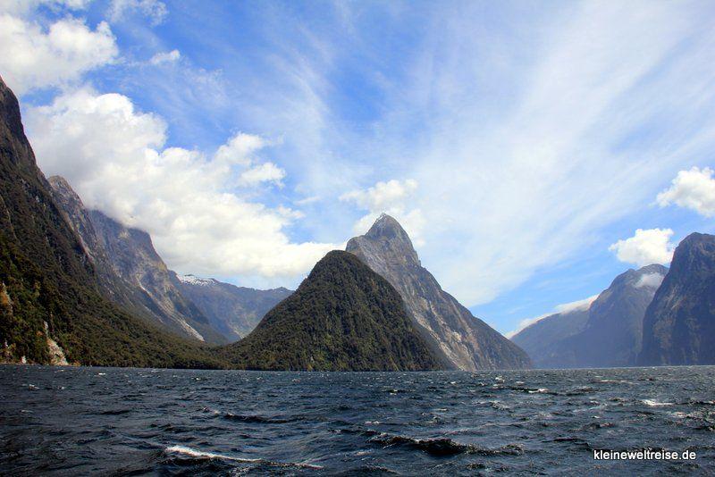 Mitre Peak im Milford Sound, #Fjordland, #Neuseeland, #Fjord http://www.kleineweltreise.de/mit-boot-im-milford-sound