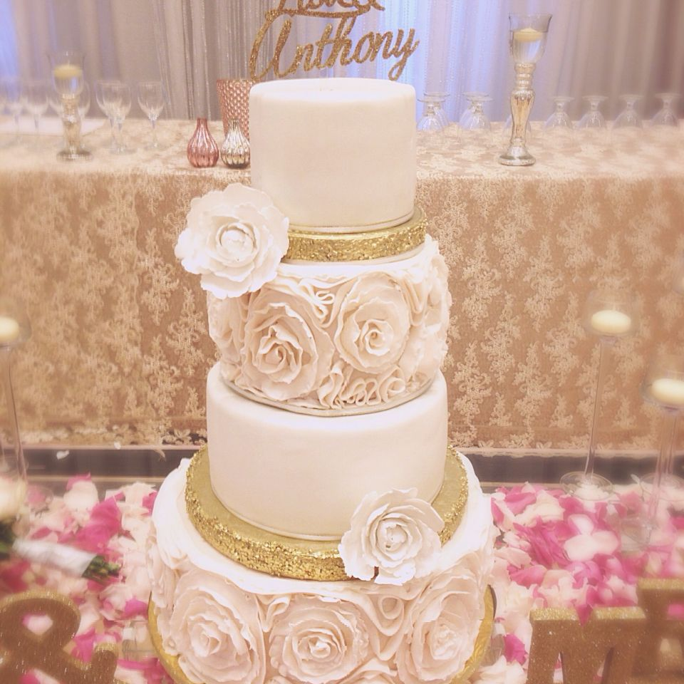 4 Tiered Wedding Cake Blush And Gold Pink And Gold Wedding Toronto Wedding By Made With Luv And Su Pink Wedding Cake Pink And Gold Wedding Pink Rosette Cake