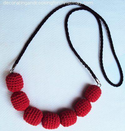 Halskette mit umhäkelten Holzperlen | Handarbeiten | Pinterest ...