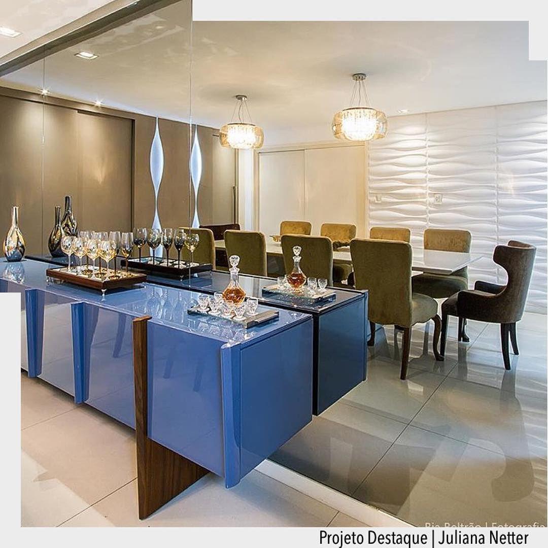 Moveis com cores criam resultados surpreendentes. Amamos o tom de azul do móvel. Ad #arquiteturadecoracao #adsala #sala #olioliteam