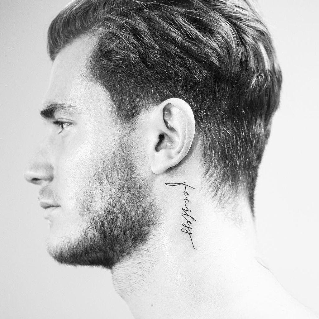 Tatuajes Para Hombres 109 Diseños De Tattoos Significado Más Sexies Tatuajes Para Hombres Tatuajes Pequeños Cuello Tatuajes Cuello