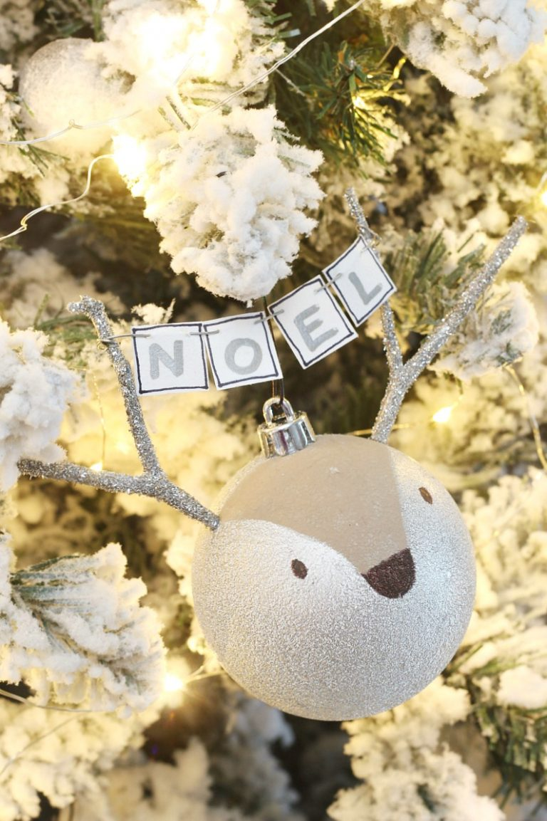 Reindeer handmade Christmas ornaments. These are so cute! Click through for the easy to follow tutorial. #christmasornaments #handmadeornaments #christmasornamnets #christmascrafts #christmasdecoration