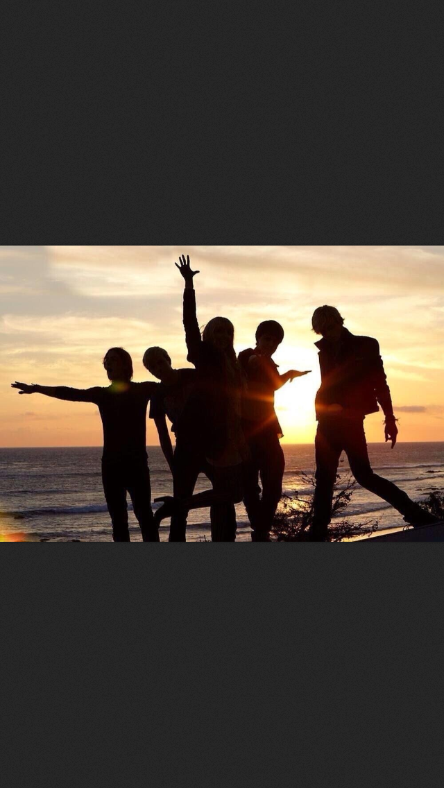 Left to right- Rocky, Riker, Rydel, Ellington, and Ross