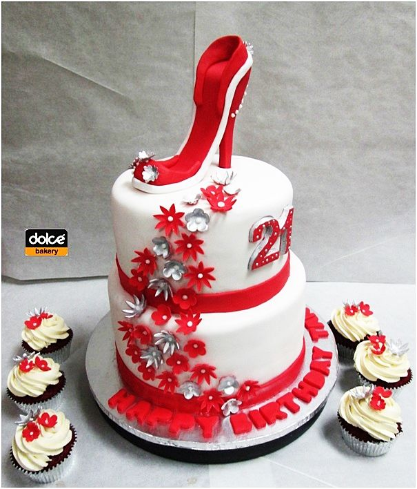 Admirable This Was A Stunning Two Tiered Cake And Matching Cupcakes In Red Funny Birthday Cards Online Alyptdamsfinfo