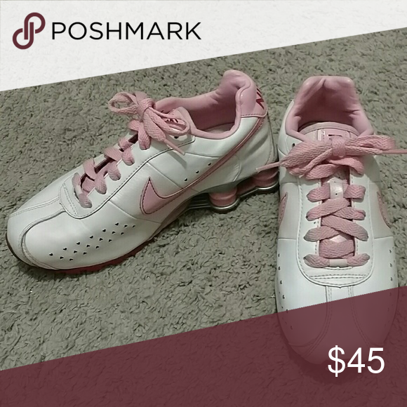 sports shoes f7cad f6d70 ... Special Valentines Edition Girls Nike Shox ...
