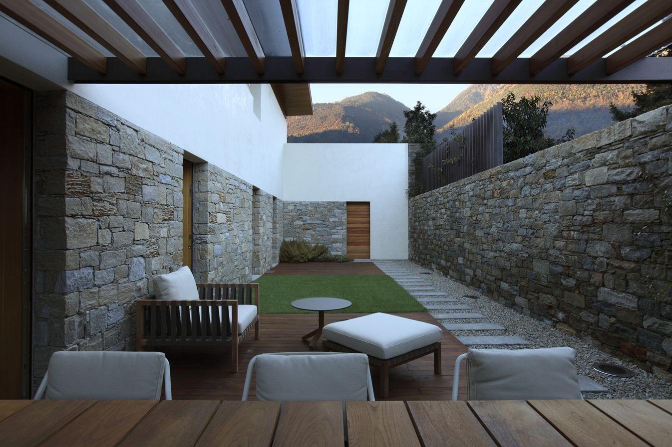 Casa Unifamiliare @ Postalesio, Italy - 2012 _ LFL architetti