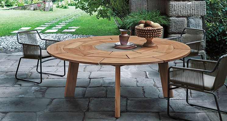 Superb BRICK 003 Table | Roda