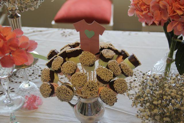 Mashmellows con cobertura de chocolate bitter y grajeas perladas. Delis y decorativos.