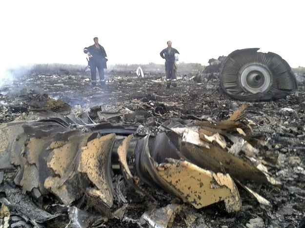 Malaysian Airliner Jet Crashes In EasternUkraine  Developing: A Boeing jet with 295 people aboard crashed in Ukraine near the country's border with Russia.Warning: Graphic images.