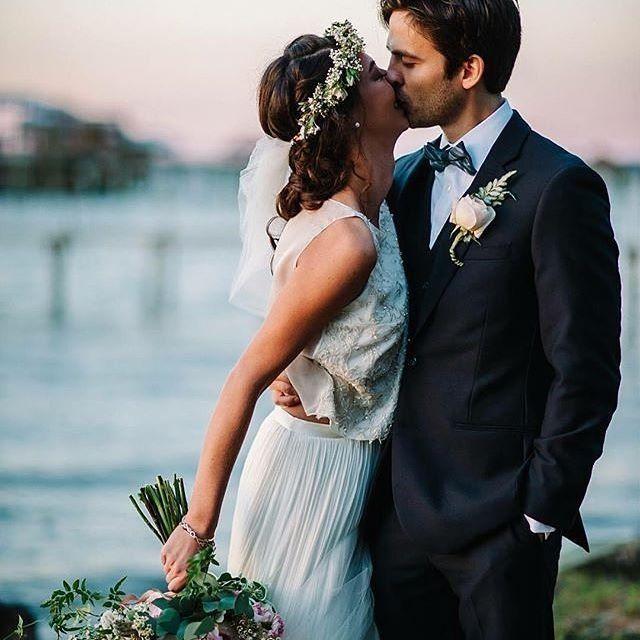 Making brides kissable is the swoon-worthy designs by @kellyfaetanini. Photo: @ducastelphotography #KellyFaetanini