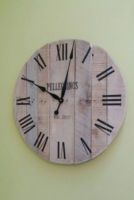 30 Reclaimed Pallet Wood Clock Large Wall Clock Unique Wedding Gift For Couple Farmhouse Wall Clock Rustic Wood Clock Con Immagini Orologi In Legno Orologio Pallet