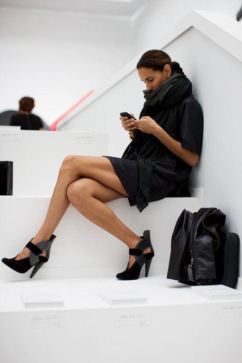 Black dress, heels, bag, scarf- perfect