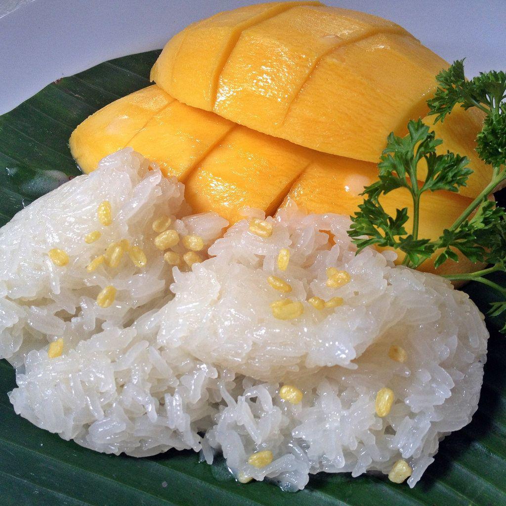 """Mango with Sticky Rice"" at เก๊ดถะหวา (""Gedhawa""), 4 ซอยสุขุมวิท 35 ถนนสุขุมวิท, 2-662-0501"