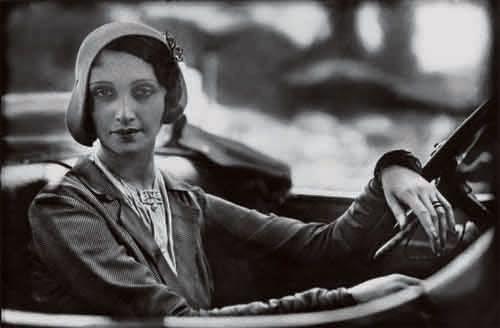 Jacques Henri Lartigue, Renée à Paris, 1931.