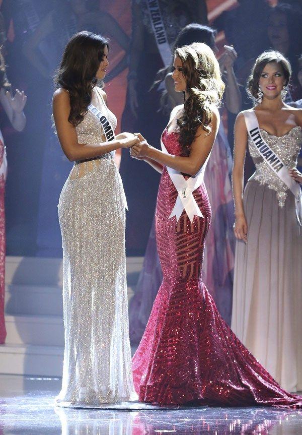 Miss Universe 2015 Costume Outfits | Paulina vega