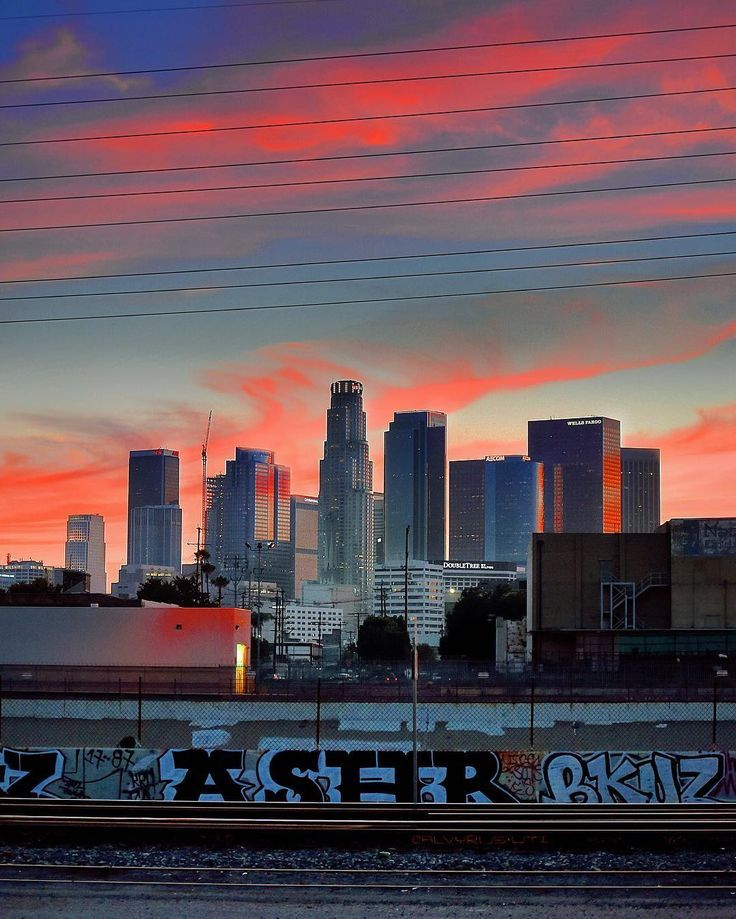 Stunning Instagrams From Downtown Los Angeles By Jasper De Jesus Downtown Los Angeles Photography Los Angeles Wallpaper Los Angeles Photography