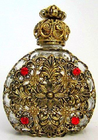 Perfume bottle.  From http://blackcat.eshop-zdarma.cz/