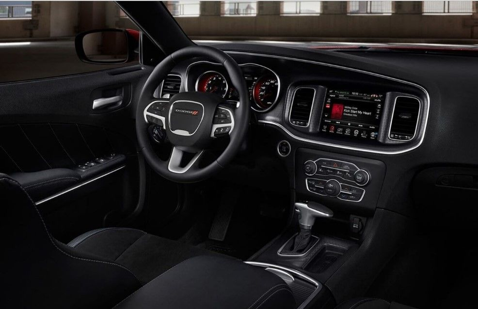 2019 Dodge Charger Cabin Mobil