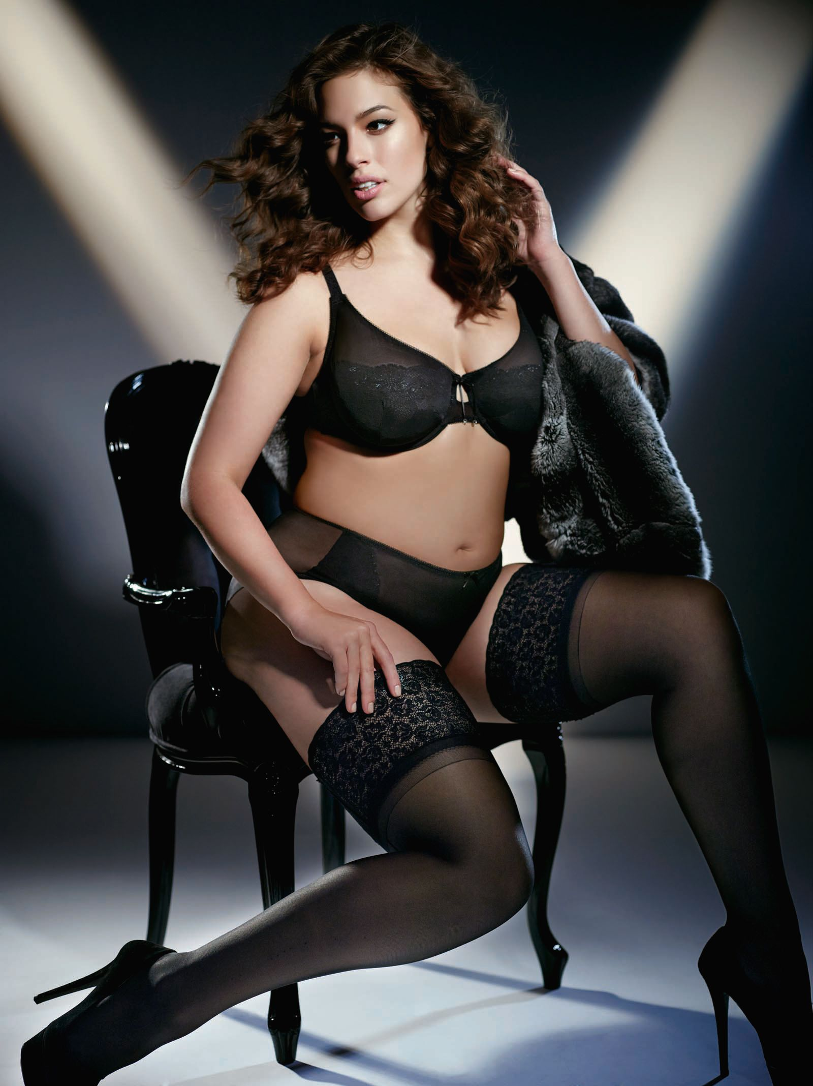 f203eb377e3 Iconic plus size supermodel Ashley Graham launches her first ever lingerie  collection with retailer Addition Elle!