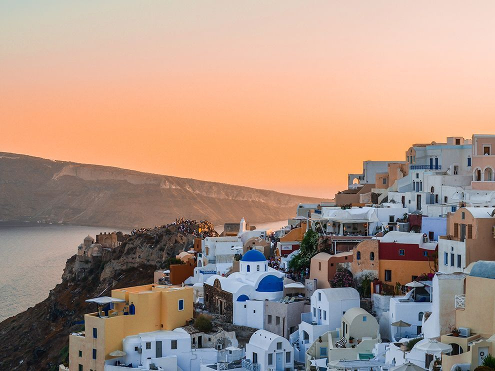 Picture of the sunset in Oia, Greece