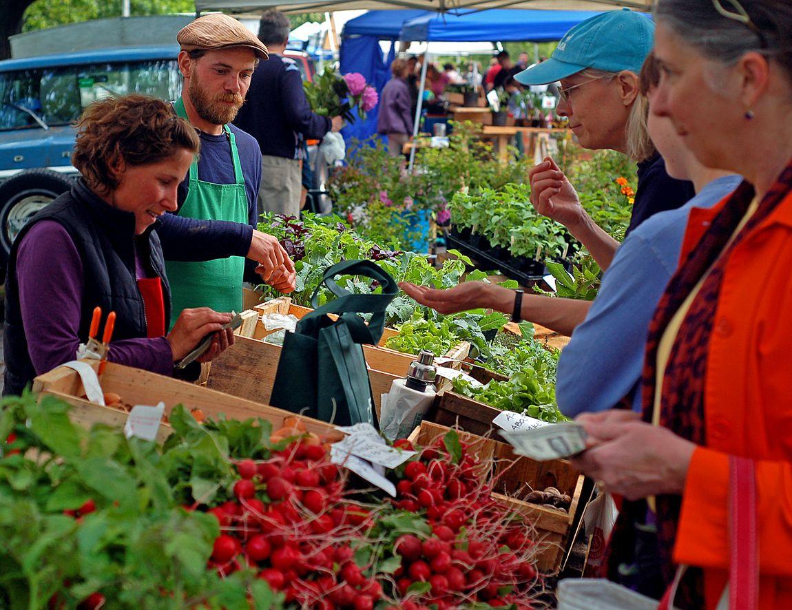 Farmers market eating well farmer