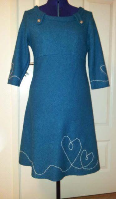 885084d0287a Karis trå   Ull kjole voksen