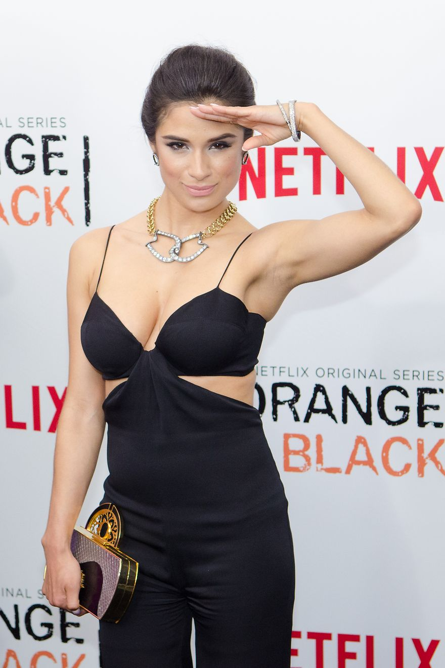 Diane Guerrero | Girl crushes in 2019 | Diane guerrero ...
