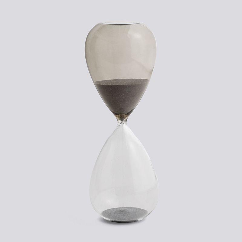 Time Zandloper L (grijs) https://www.livingdesign.be/nl/producten/detail/time-zandloper-l-grijs-hay