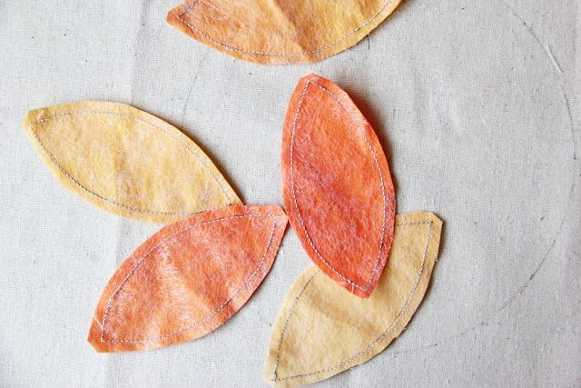 V and Co.: V and Co: how to: no raw edge appliqued fall wreath pillow