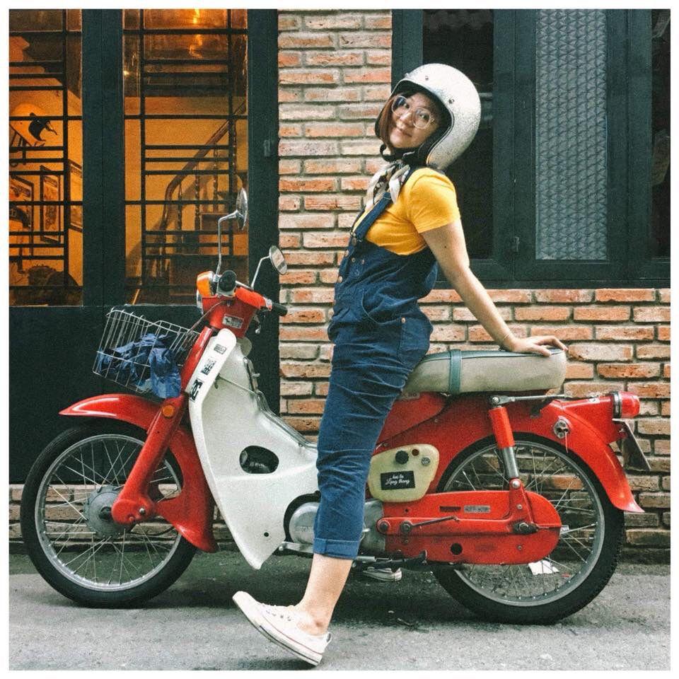 Girl And Motorcycle Sepeda Motor Klasik Klasik
