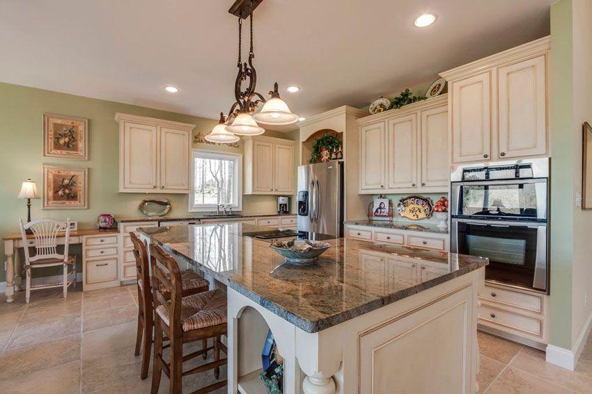 26 farmhouse kitchen ideas decor design pictures - Raised Panel Kitchen Decor