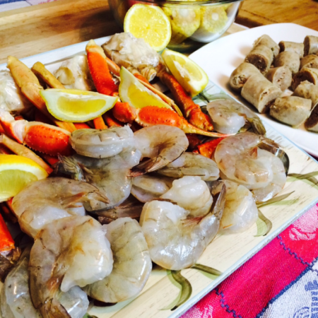 Seafood Boil with Instant Pot - Jumbo Shrimp, Crab Legs, Sweet Sausage, Corn on the Cob and Red Potatoes - Its Amazing !!! - Great Chow TV #seafoodboil