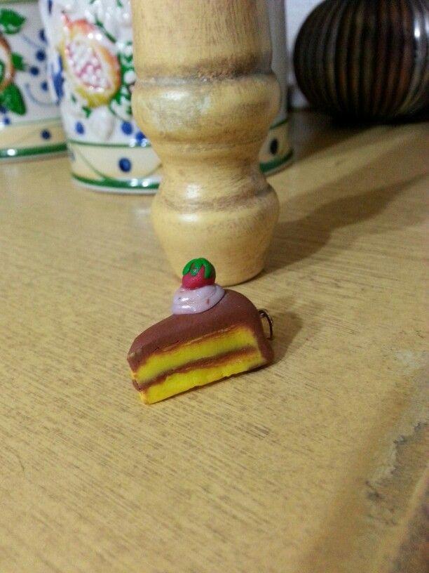 Le mie creazioni con il fimo / pasta modellabile     7/8 . Fetta di Torta cn fragola e panna